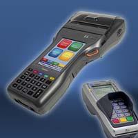 Sicheres mobiles Bezahlen - Das Multifunktionsterminal IT-9000 lässt sich in Verbindung mit dem DK / ZKA zugelassenen PIN Pad des Casio-Partners CCV zu einem neuartigen Datenerfassungs-, Belegdruck- und Bezahlsystem für den mobilen Einsatz in vielen Bereichen des Verkaufs und im Ticketing konfigurieren.